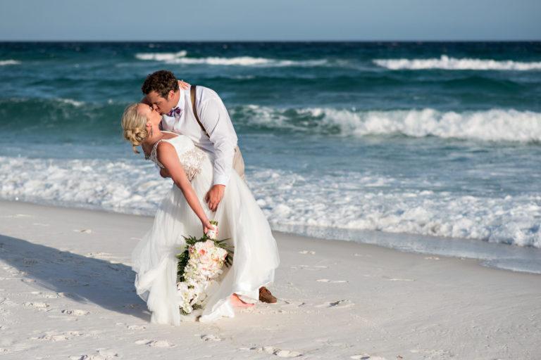 dip kiss beach sunny ocean florida
