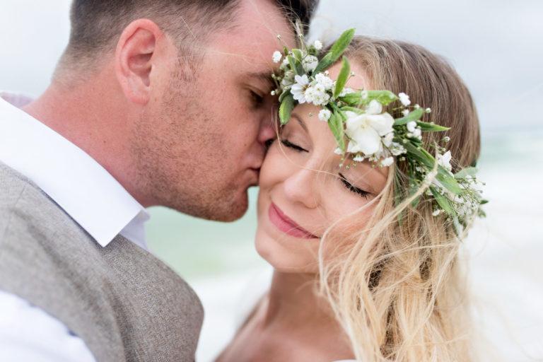 beach windy kiss wreath