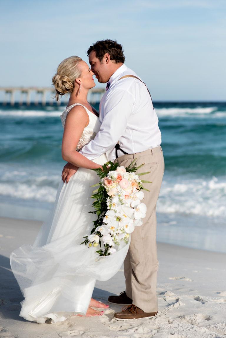 Margaritaville Pensacola Beach Landshark Summer Wedding